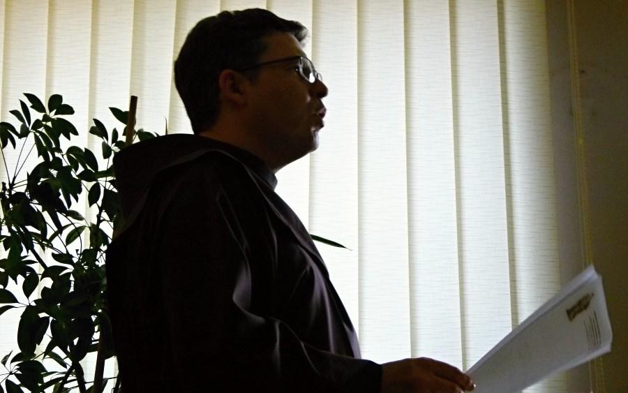 Konferencja - prowadzący o. Emil - foto 2